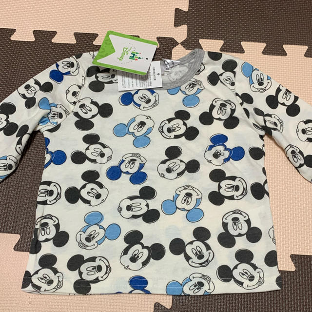 Disney(ディズニー)の新品◡̈⃝♡Disney ミッキーマウス 総柄ロンT 80㎝ キッズ/ベビー/マタニティのベビー服(~85cm)(Tシャツ)の商品写真