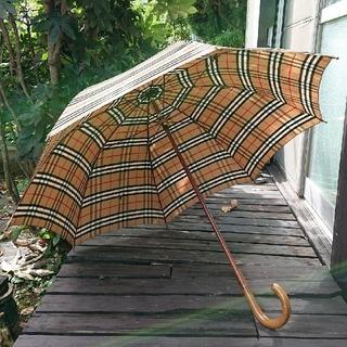 バーバリー(BURBERRY)のBURBERRYの長傘 ベージュ‼️(傘)