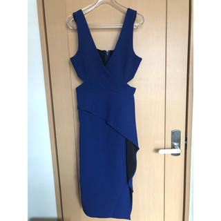 ビーシービージーマックスアズリア(BCBGMAXAZRIA)のBCBG ドレス ミディ丈(ナイトドレス)