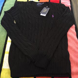 ポロラルフローレン(POLO RALPH LAUREN)のラルフローレン、新品タグ付き黒に紫刺繍レディースS160サイズ(ニット/セーター)