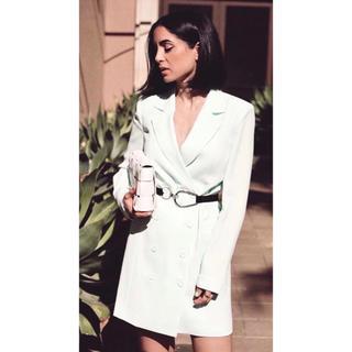 ビーシービージーマックスアズリア(BCBGMAXAZRIA)の❤️BCBG 2020新作 新品 白ロングコート綺麗(ロングコート)