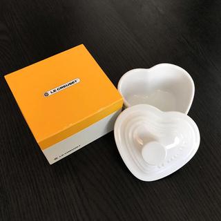 ルクルーゼ(LE CREUSET)のルクルーゼ 新品未使用 ラムカン・ダムール フタ付 ハート型 ホワイト(食器)