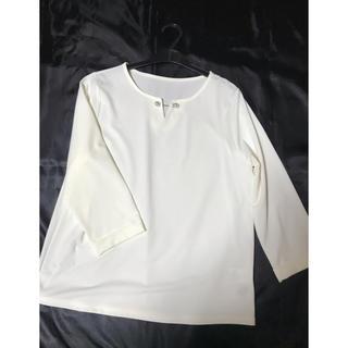 ◆新品◆オフホワイト+パール付きブラウス/シャツ/カットソー◆(シャツ/ブラウス(長袖/七分))