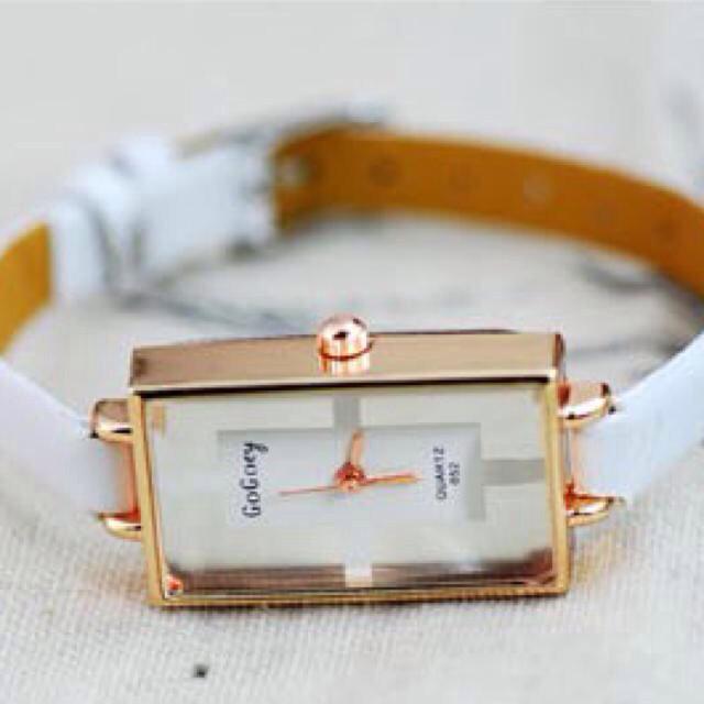 再入荷♡クリスタル腕時計ホワイト レディースのファッション小物(腕時計)の商品写真