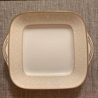 ノリタケ(Noritake)の【ノリタケ】WHITE PALACE ホワイトパレス 28cmスクエアプレート(食器)