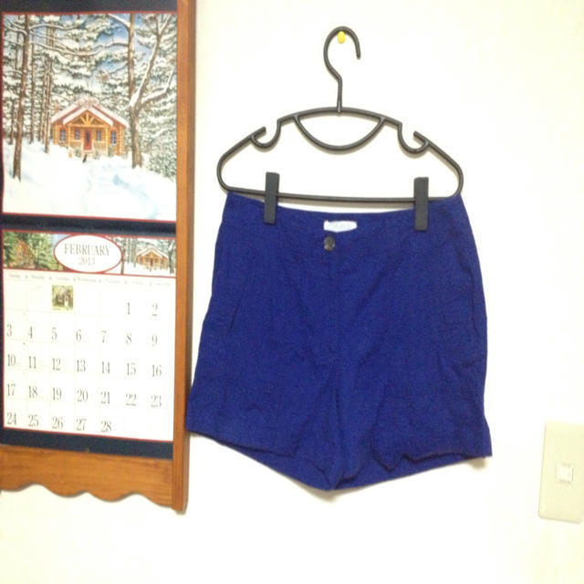 FOREVER 21(フォーエバートゥエンティーワン)のforever21 ブルーショーパン レディースのパンツ(ショートパンツ)の商品写真