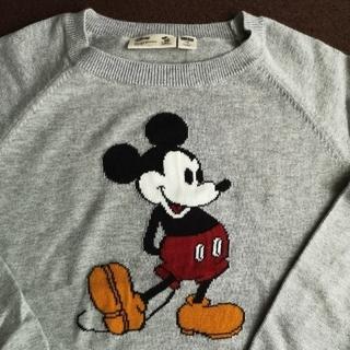 ディズニー(Disney)のUNIQLO  ミッキーマウス  キッズ セーター   size  130 (ニット)