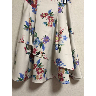 ミーア(MIIA)のMiiA ウエストシャーリングフラワースカート(ひざ丈スカート)