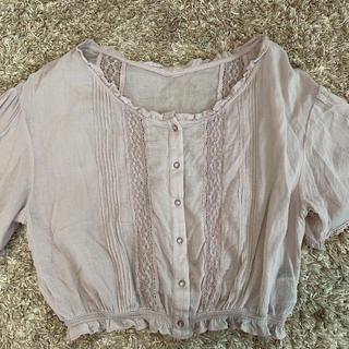 ダブルクローゼット(w closet)のピンクブラウス(シャツ/ブラウス(半袖/袖なし))