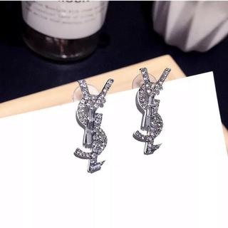 イヴサンローランボーテ(Yves Saint Laurent Beaute)のYves Saint Laurent ピアス(ピアス)