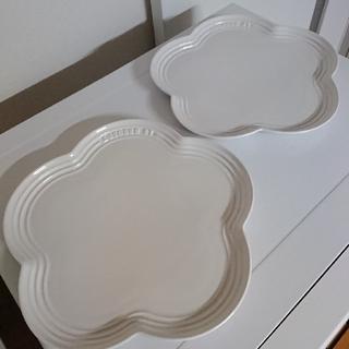 ルクルーゼ(LE CREUSET)のル・クルーゼ フラワー皿(白) 2枚 中古(食器)
