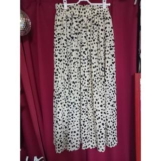 シマムラ(しまむら)のしまむら ダルメシアン柄 レオパード柄 スカート大きめM(ロングスカート)