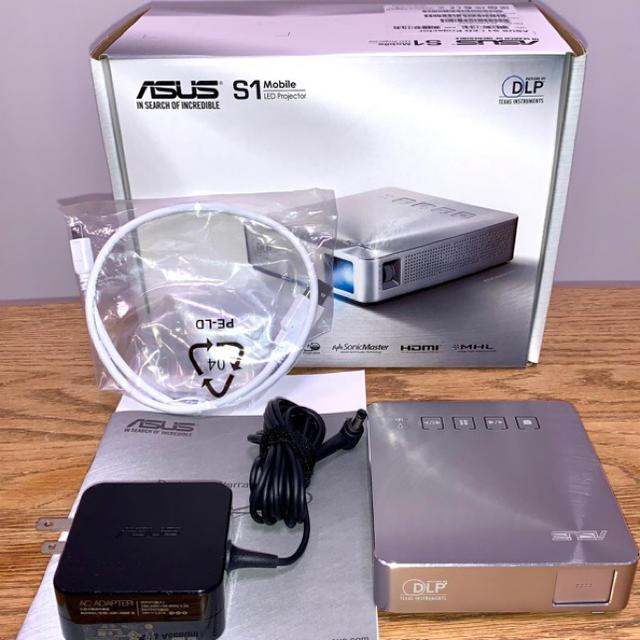 ASUS(エイスース)の【ASUS】人気 Mobile Projector S1 モバイルプロジェクター スマホ/家電/カメラのテレビ/映像機器(プロジェクター)の商品写真