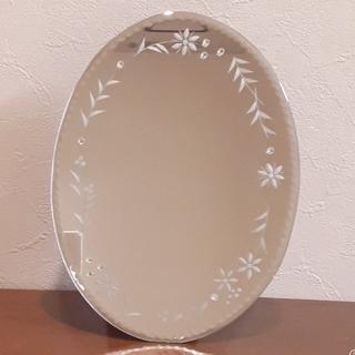 ローラアシュレイ(LAURA ASHLEY)のローラ・アシュレイ★オバール型鏡(卓上ミラー)