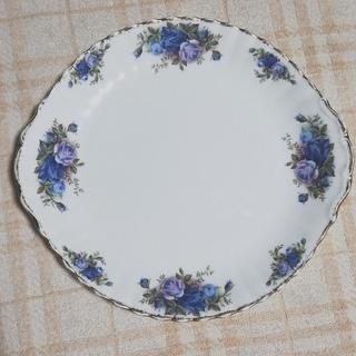 ロイヤルアルバート(ROYAL ALBERT)の青いバラ 大皿 盛皿 ムーンライト ローズ BB ケーキプレート スカラップ(食器)