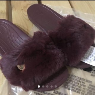crocs - 【新品】クロックス  ファーサンダル