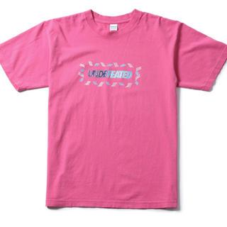 アンディフィーテッド(UNDEFEATED)の【送料込み★】UNDEFEATED OUTLINE Tシャツ XL ピンク(Tシャツ/カットソー(半袖/袖なし))