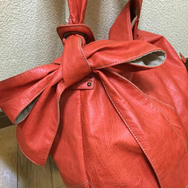 リボンが可愛い オレンジ バッグ レディースのバッグ(トートバッグ)の商品写真