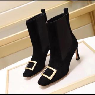 ツルバイマリコオイカワ(TSURU by Mariko Oikawa)のバックル付き ショートブーツ(ブーツ)