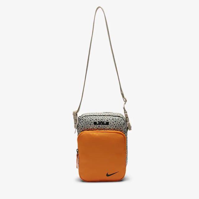 NIKE(ナイキ)のAtmos アトモス Lebron レブロン Nike ナイキ ショルダーバック メンズのバッグ(ショルダーバッグ)の商品写真