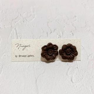 キューポット(Q-pot.)のチョコレートのフラワーピアス(ピアス)