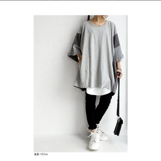 アンティカ(antiqua)の【新品・未使用未開封】アンティカ Tシャツ(Tシャツ/カットソー(半袖/袖なし))