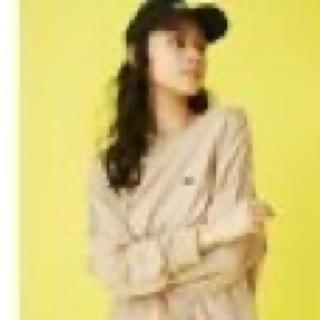 ジェイダ(GYDA)のgyda ロゴロンT ベージュ(Tシャツ/カットソー(七分/長袖))