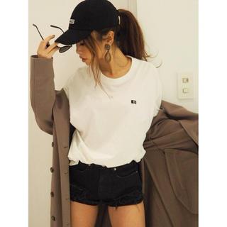 ジェイダ(GYDA)のgyda ロゴロンT ホワイト(Tシャツ/カットソー(七分/長袖))