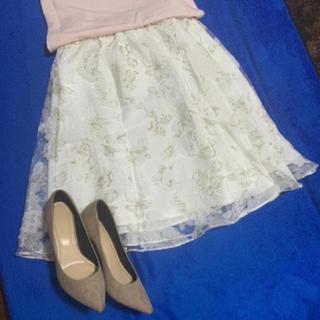 ミーア(MIIA)の美品 MIIAオーガンジー花柄スカート(ひざ丈スカート)