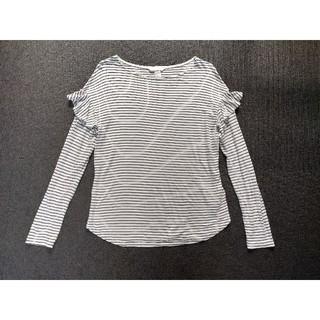 エイチアンドエム(H&M)のボーダーカットソー 長袖 ロンT  肩フリル(Tシャツ(長袖/七分))