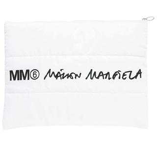 エムエムシックス(MM6)の10/25迄の特価■MM6 Maison Margiela パデッド ポーチ(ポーチ)