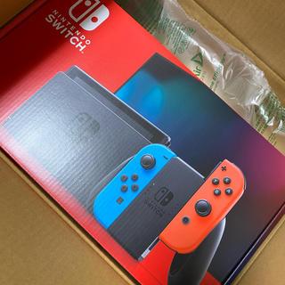 ニンテンドースイッチ(Nintendo Switch)のニンテンドー switch ネオン 新品(家庭用ゲーム機本体)