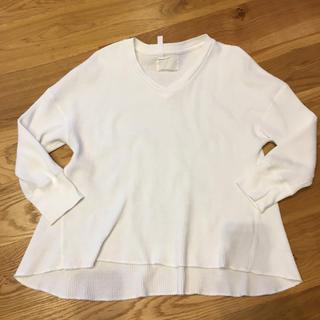 アーバンリサーチ(URBAN RESEARCH)のV ネック ワッフル  オフホワイト トップス(Tシャツ(長袖/七分))