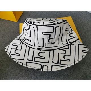 フェンディ(FENDI)の[FENDI]帽子 ハット レディース バケットハット(ハット)
