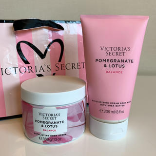 Victoria's Secret - 【新品】VS ボディスクラブ ボディソープ 2点セット