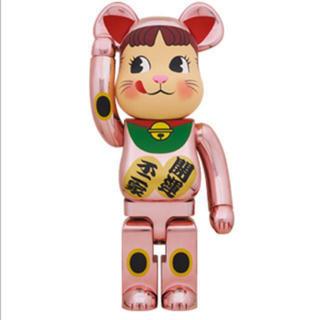 BE@RBRICK 招き猫 ペコちゃん 桃金メッキ 1000%(その他)