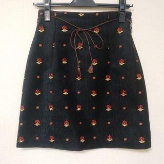 リリーブラウン(Lily Brown)の値下げ♪美品!リリーブラウン フラワー刺繍スカート(ミニスカート)