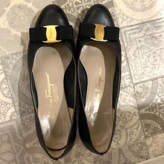 サルヴァトーレフェラガモ(Salvatore Ferragamo)のフェラガモ パンプス(ローファー/革靴)