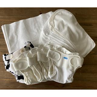 布おむつ4点セット(布おむつ18枚、成形おむつ5枚、カバー5枚など)(布おむつ)