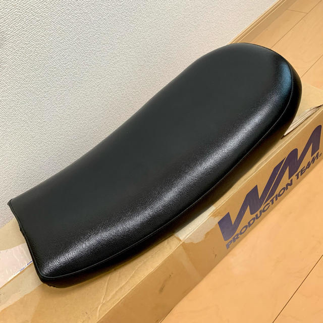 WM SR400用 シート 自動車/バイクのバイク(パーツ)の商品写真