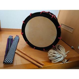【期間限定値下げ】和楽器担ぎ桶太鼓(両面馬皮)1.6尺バチ&ストラップ&替紐付き(和太鼓)