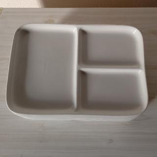 ムジルシリョウヒン(MUJI (無印良品))の無印良品  角皿仕切り付き6枚(食器)