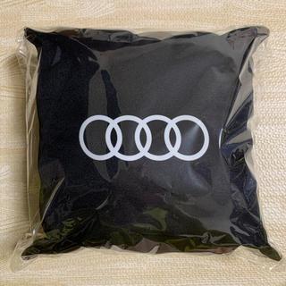 アウディ(AUDI)の新品未開封 Audi ノベルティ ミニクッション(車内アクセサリ)