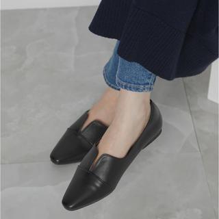 アーバンリサーチ(URBAN RESEARCH)の【美品】UR SL スリット入りフラットシューズ(ローファー/革靴)