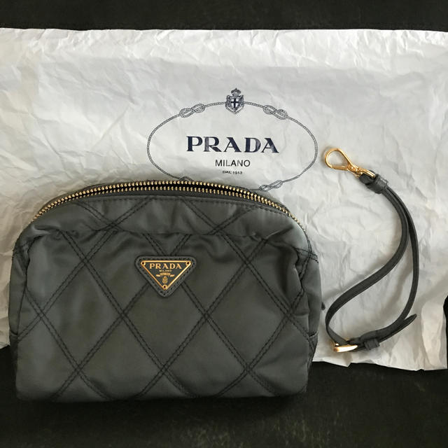 PRADA(プラダ)のプラダ ポーチ レディースのファッション小物(ポーチ)の商品写真