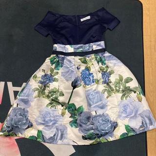 エイチアンドエム(H&M)の紺色と花柄ワンピース(ひざ丈ワンピース)