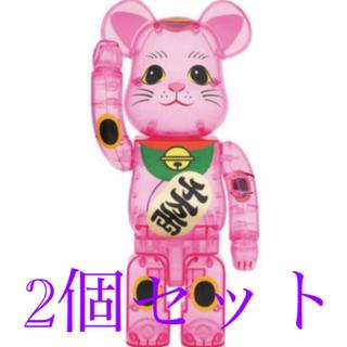 メディコムトイ(MEDICOM TOY)のBE@RBRICK 招き猫 桃色透明 400% 2個セット(その他)