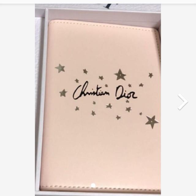 Dior(ディオール)の早い者勝ち⚠️新品✨激レア⚠️ディオールパスポートケース レディースのファッション小物(その他)の商品写真