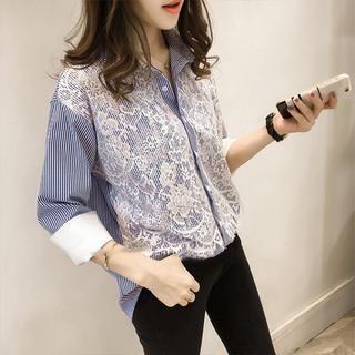 リリーブラウン(Lily Brown)のストライプレースデザインシャツ(ブルー)(シャツ/ブラウス(長袖/七分))