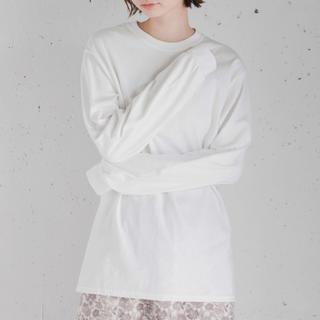 センスオブプレイスバイアーバンリサーチ(SENSE OF PLACE by URBAN RESEARCH)のクルーネックロングスリーブトップ/ホワイト/ロングTシャツ/ロンT/新品(Tシャツ(長袖/七分))